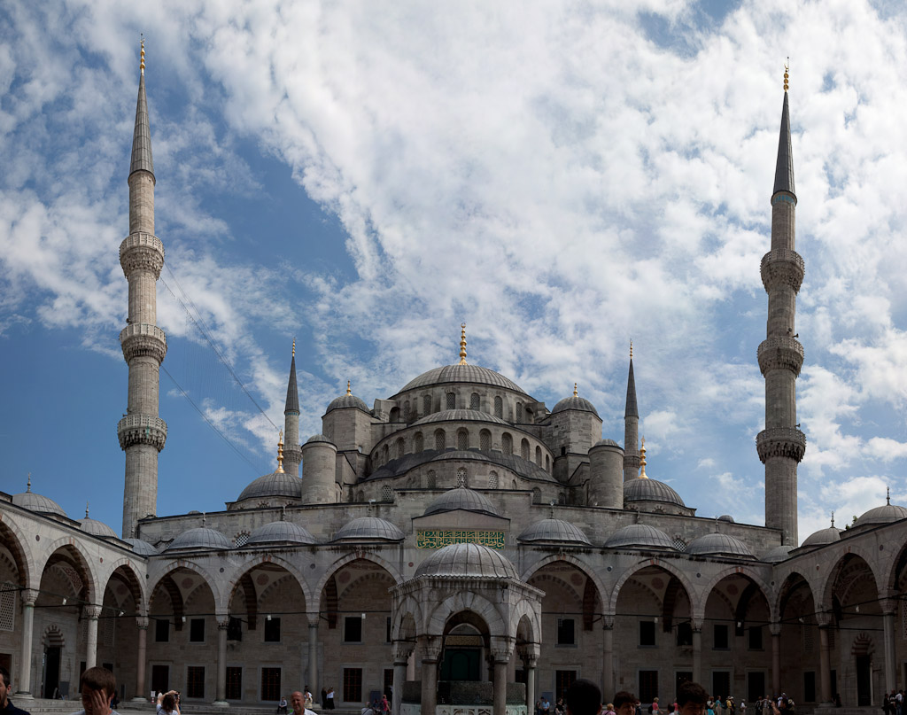 Turkey - Istanbul - Blue Mosque entrance.jpg