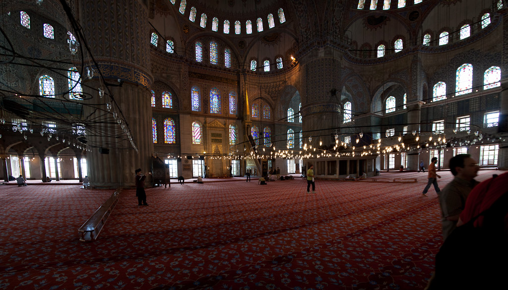 Turkey - Istanbul - Inside Blue Mosque.jpg